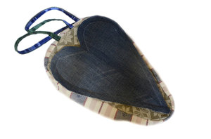 Sadelskydd och väska i ett med hjärta i jeanstyg